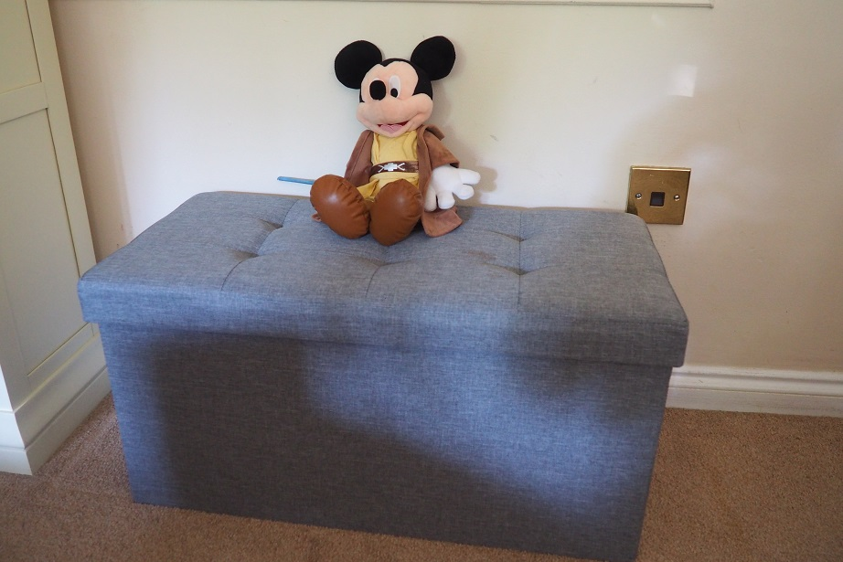 Songmics Linen Fabric Folding Storage Review, storage, unit, Mickey on the box
