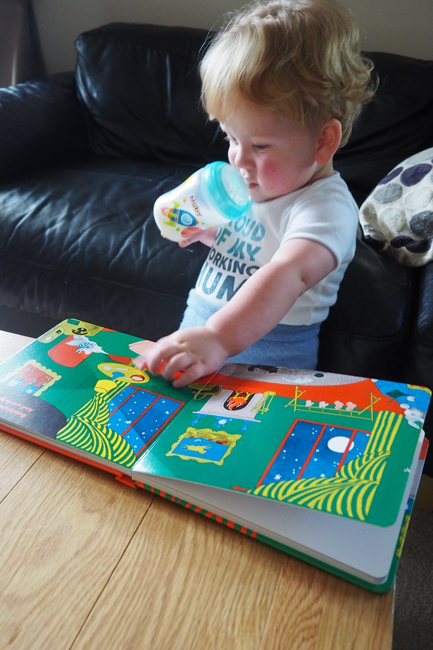 Goodnight Moon Review, bedtime story, baby reading