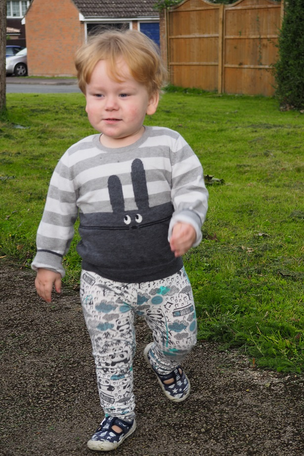 Baba Fashionista with The Bonnie mob, kids fashion, toddler running