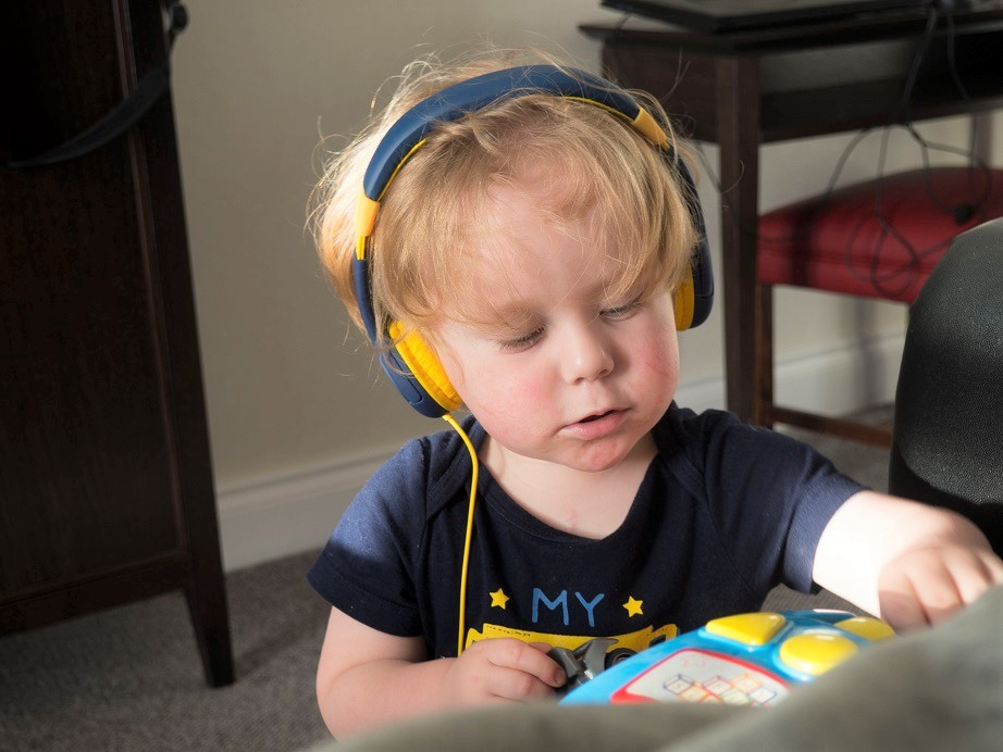EasySMX Kids Headset Review,kids headset, music, cartoons