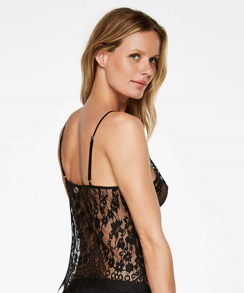 11 Simple Ways to Feel Sexy Again, Hunkemoller, lingerie, lace top, Doutzen