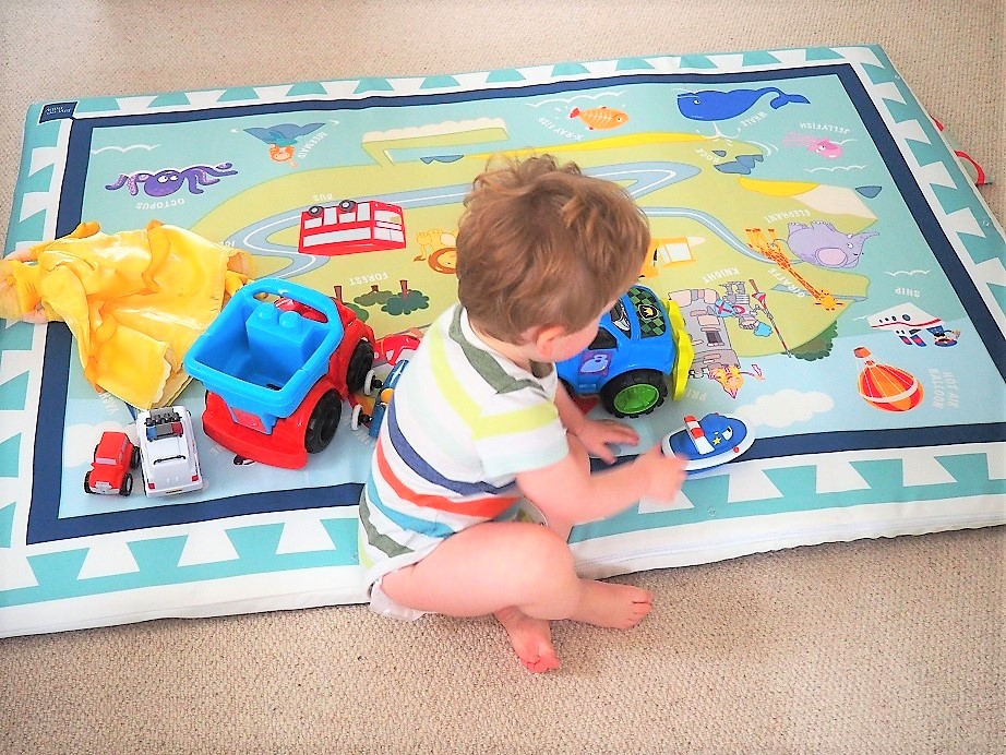 JayceeBaby Perfectly Padded Playmat Review, Baby Playmat, Toddler Playmat, giveaway, the Frenchie Mummy