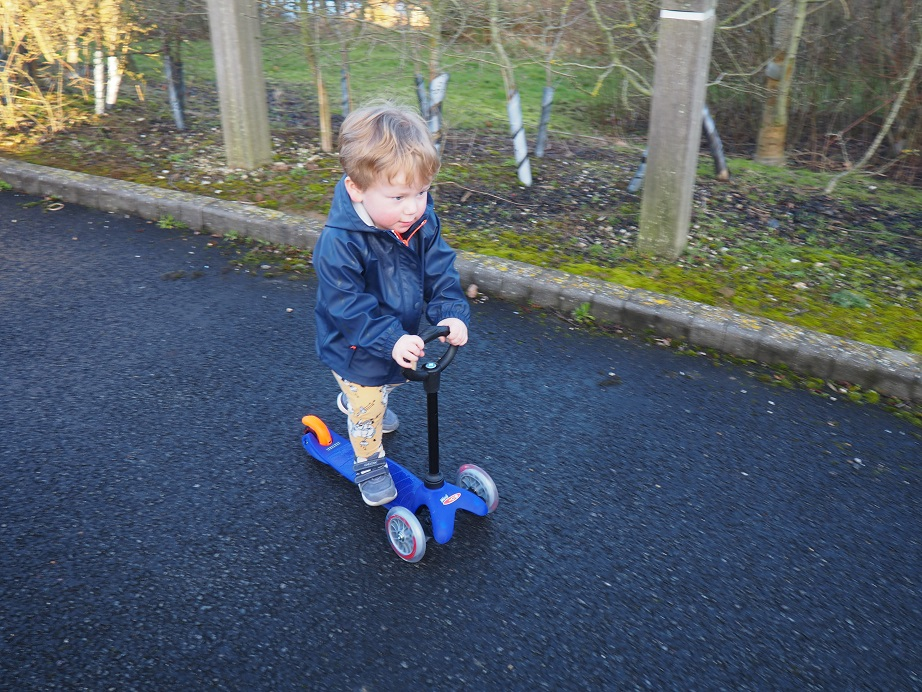 Mini Micro Scooter Review, Micro Scooters, UK's Favourite Scooters, outdoors fun, review, The Frenchie Mummy