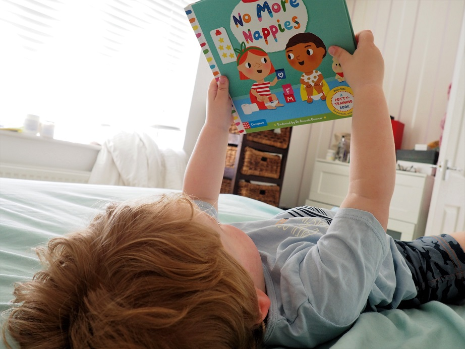 Big Steps series by Campbell Books Review, Novelty Books with flaps and mechanism, Marion Cocklico, books for toddlers, potty training, The Frenchie Mummy