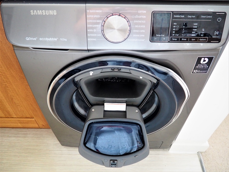 Samsung QuickDrive Washing Machine Review, Clever Washing Machine, Review, Wash Cool, Smart 9kg Samsung QuickDrive, the Frenchie Mummy. Mumsnet Bloggers Panel