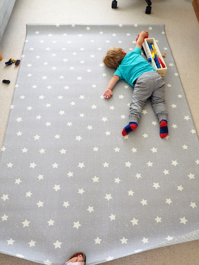 Totter + Tumble Playmat , Back to School Giveaway, Totter + Tumble, Win, Luxury Playmats, the Frenchie Mummy, Review