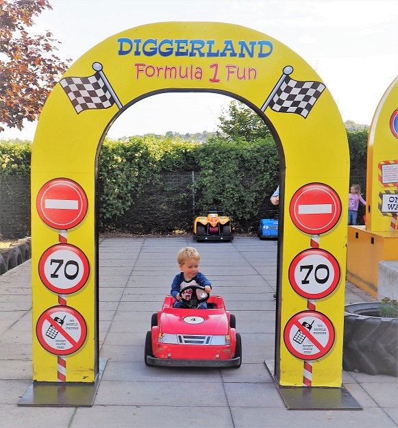 Diggerland Kent Review, Diggerland, Things to Do in Kent, Theme Park, Real Diggers, Adventure Park, The Frenchie Mummy