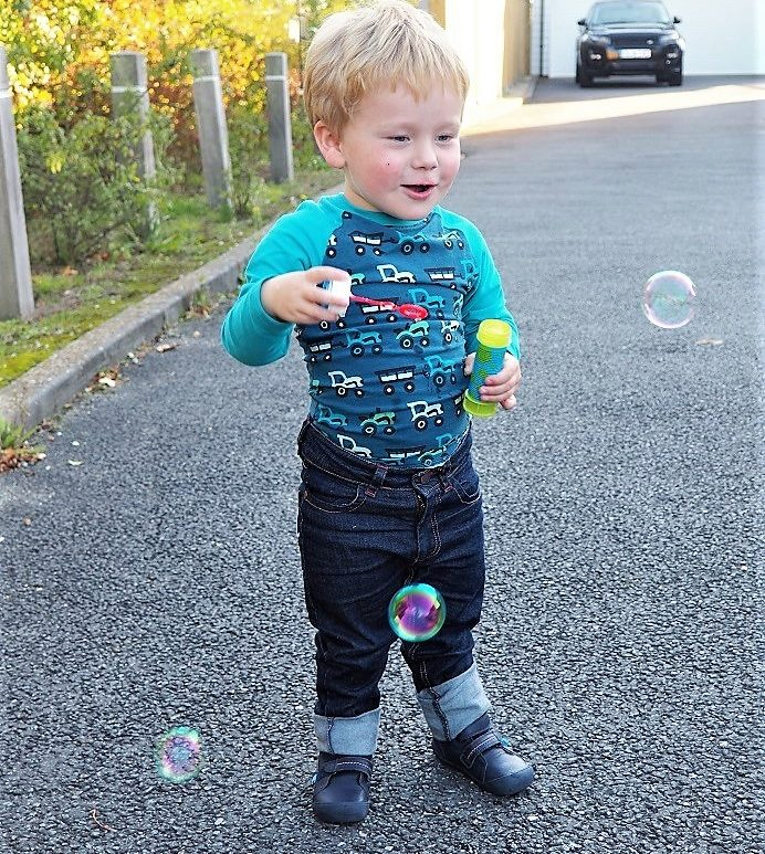 Living Arrows 42/53, Life in Kent, Bubbles, the Frenchie Mummy, Autumn