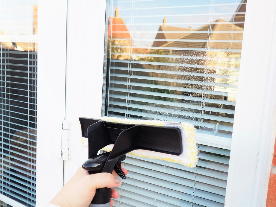 Kärcher Window Vac Review, Pressure Washer, Mobile Cleaning Products, Handheld Vacuum Cleaner, Giveaway, the Frenchie Mummy