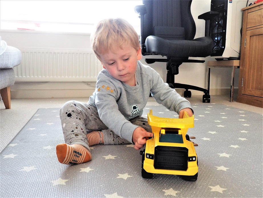 Tonka Power Mover Dump Truck, Tonka Power Movers, Toys Review, Motion Drive Technology, Review, the Frenchie Mummy