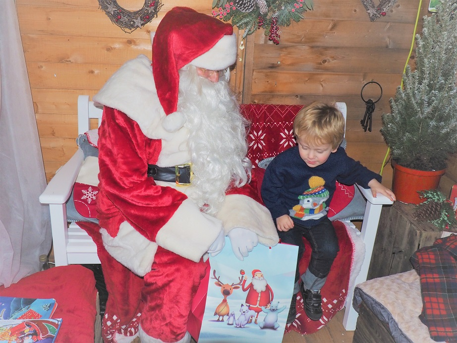 #MagicOfChristmas at Dobbies, Dobbies Garden Centres, Christmas Grotto, Afternoon Tea with Santa, Christmas Fun, the Frenchie Mummy