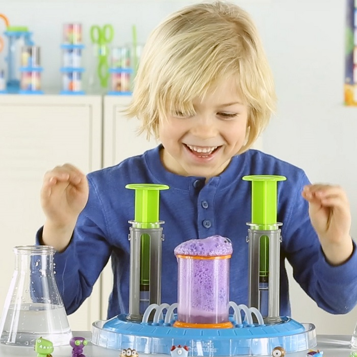 Beaker Creatures™ Liquid Reactor Super Lab, Learning Resources. Educational Toys, Christmas Giveaway, The Frenchie Mummy