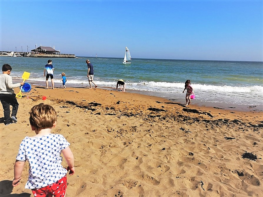 Broadstairs With Southeastern Railway, Visit Kent, #SEhiddengems, Traveling by train, Summer Offers, the Frenchie Mummy