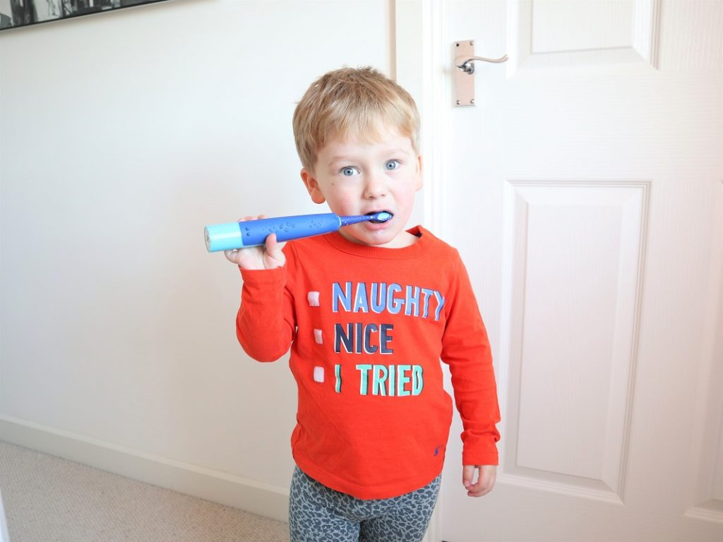 Playbrush Smart Sonic, Electric Toothbrush, Brush Your Teeth, Blog Anniversary Giveaway, Win, The Frenchie Mummy