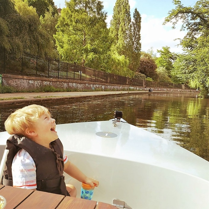 GoBoat London Review, Self-drive boat hire, things to do in London, London's canal, Paddington, The Frenchie Mummy, London Experience