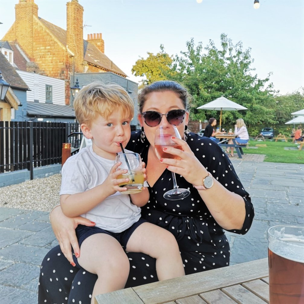 August 2019, Monthly Highlights, Eating at the Pub, The Frenchie Mummy