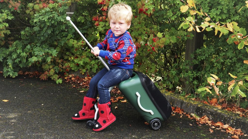 Micro Eazy 3 in1 Ride-On Suitcase, Back to School Giveaway, Win, Ride On Suitcase, Hand Luggage, Holiday Stroller, Travelling with Kids, the Frenchie Mummy, Micro Scooters