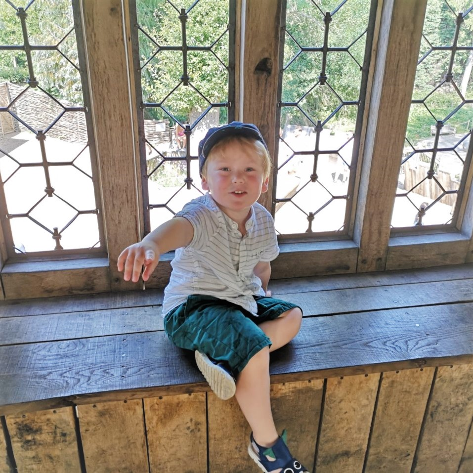 August 2019, Monthly Highlights, Hever Gardens & Castle, Days Out with Kids, the Frenchie Mummy