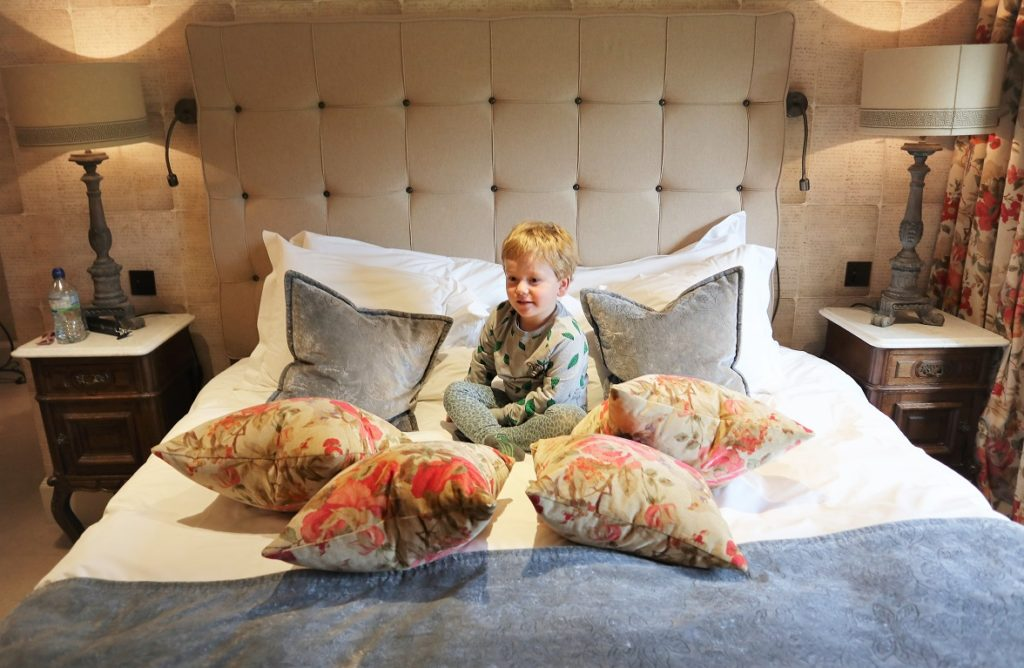 Hever Castle Luxury Bed And Breakfast, Hotels Review, Halloween, Days Out, Hever Castle & Gardens, Edenbridge, Things to Do in Kent