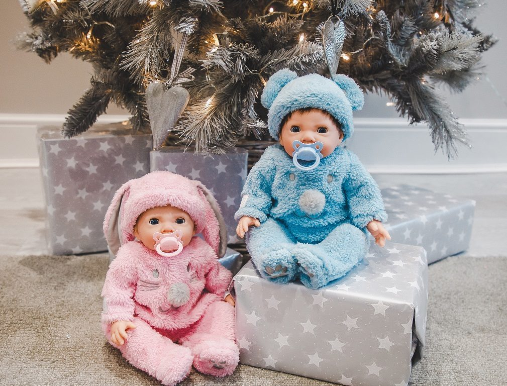Win a Tiny Treasures Twin Fluffy Bumper Set worth £70