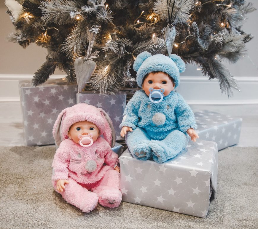 Win a Tiny Treasures Twin Fluffy Bumper Set worth £70