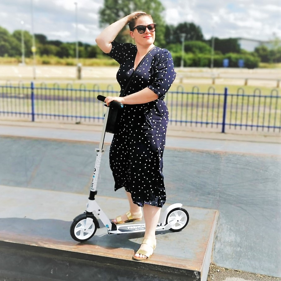 Adult White Micro Scooter, Adult Scooter, Micro Scooters, Scooting, Win, Blog Anniversary, The Frenchie Mummy, Swiss Design