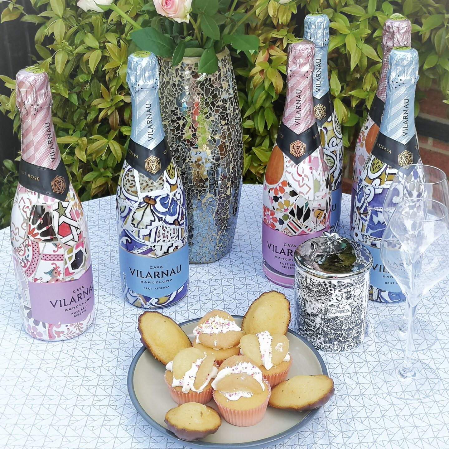 #MakeItSparkle, Premium Cava, Vilarnau, Vilarnau Cava Barcelona, Brut Reserva Rosé, Sparkling Wine, Cava, Blog Anniversary Giveaway, Win , the Frenchie Mummy, Made in Barcelona, Vilarnau Premium Cava