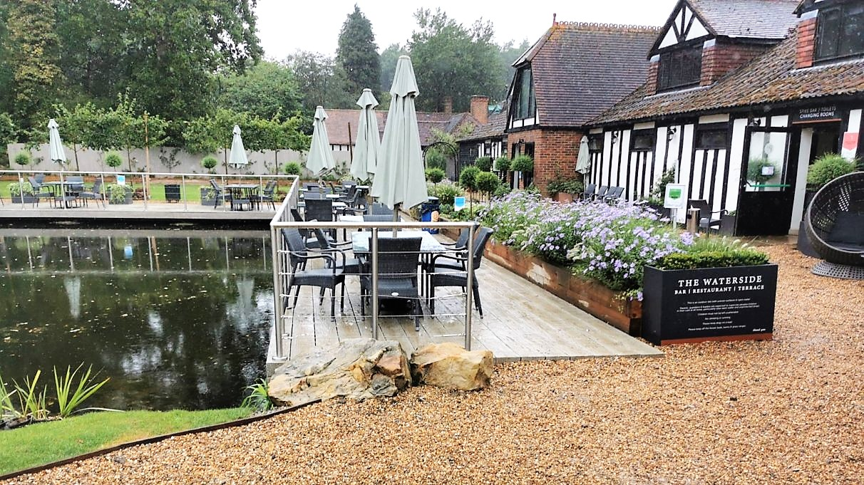 Waterside Bar, Restaurant & Terrace, Hever Castle & Gardens, Restaurant Review, Kent, Kent Life, Days Out, Edenbridge, Things To Do in Kent, the Frenchie Mummy