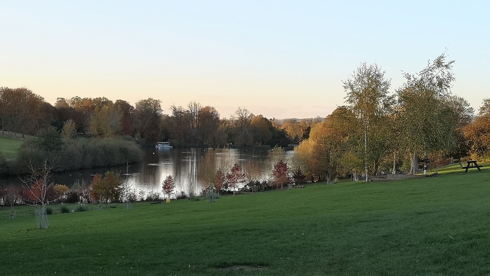 Leeds Castle, Autumnal Walk, Visit Kent, Family Day Out, Maidstone, Historic Place, Things to Do in Kent, The Frenchie Mummy