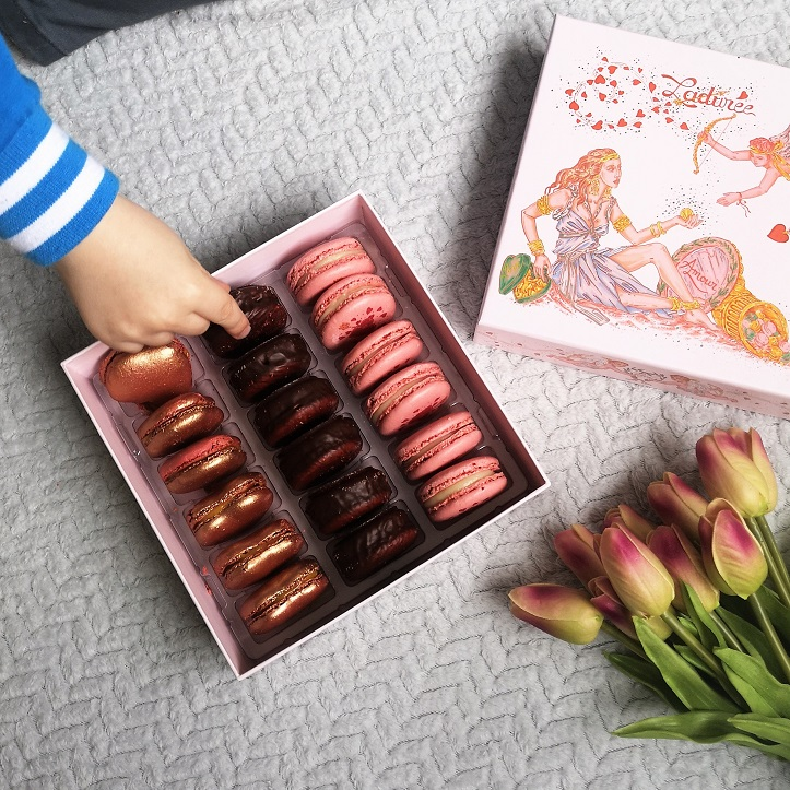 Ladurée Vénus Mon Amour Macarons Gift Box, Ladurée Macarons, French Brand, Made in France, Ladurée, Valentine's Day Giveaway, Win, the Frenchie Mummy, Venus Box, Macarons Box, Rose Macarons, Dark Chocolate,