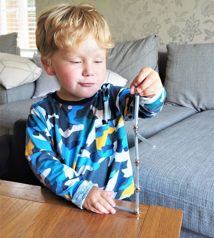Geomag Pro-L Range Review , Magnetism, Construction, Geomagworld, Magnetic Building Toys, Review, Giveaway, the Frenchie Mummy
